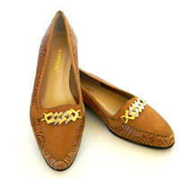 Vintage Flats. Tooled Leather Loafers. Rangoni Slippers. Ligh Brown. Honey Amber. Summer Shoes. Size 7 and a half. Natural color