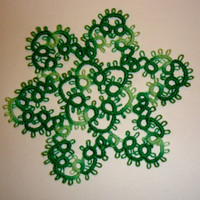 Mossy tatted mini doily / little snowflake (hand made)