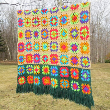 """Very pretty colorful vintage crochet throw afghan lap blanket with green borders and fringes 58"""" x 32"""""""