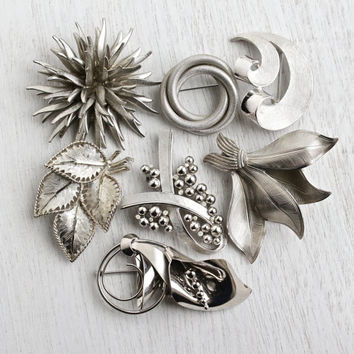 Vintage Silver Tone Brooch Lot - Instant Collection of 7 Large Silver Tone Costume Jewelry Pins - Signed Trifari, BSK / Statement Retro Pins