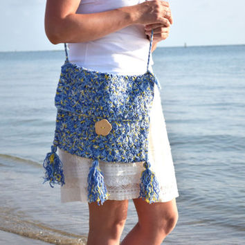 Summer crossbody bag with wood button-Boho Crochet purse-beach bag-Fringe Purse-Bohemian-Blue bags-Hobo shoulder bag-Boho crossbody purse