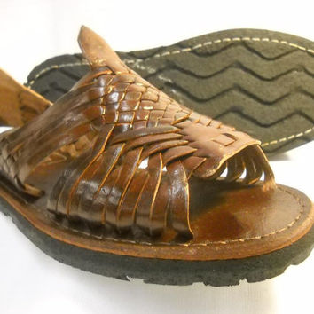 WOMENS Brown Leather Huarache Sandals vintage style size 7 made in mexico with tire sole