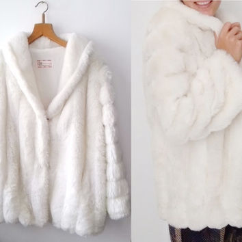 Vintage White 100% synthetic fur beautiful design coat 1960's FREE shipping