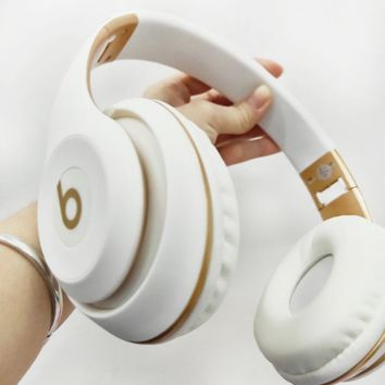 Beats Solo 3 New Fashion Personality Wireless Magic Sound Bluetooth Wireless Hands Headset MP3 Music Headphone with Microphone Line-in Socket TF Card Slot