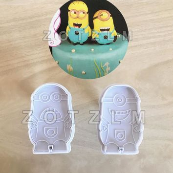 2 pcs/set Cartoon Minions Plastic Cookie Cutters Biscuit Mold Fairy Tale Animation Series Plunger Cake Decorating Tools SLP115