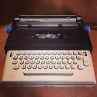 1970 Vintage Olivetti Lettera 36 Electric Typewriter and Case - Works Great - Made in Spain