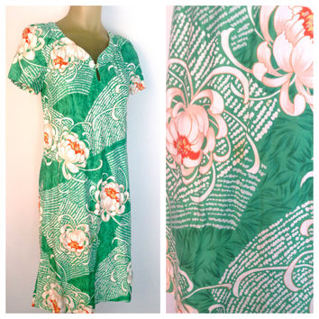 Green Hawaiian Floral Print Dress Vintage 70s Orange Hibiscus Short Sleeve V Neck Knee Length Fabric Button keyhole Tropical St Patricks Day