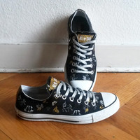 Vintage Converse low tops, black with unicorn print, metallic & glitter details. Size UK 6 (US Wo's 8, eu 39). Rare!