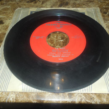 Vintage Vinyl Record 45 RPM The Mulcays - Te Amo - Dixie - 45 RPM
