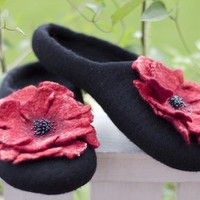 Red poppy  Felted slippers  Handmade to Order by aureliaLT on Etsy