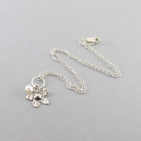 Sterling Silver Daisy Flower With White Freshwater Pearl Necklace
