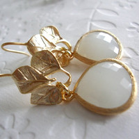 Gold leaf dangle earrings for your white dress Matt gold 3 leaves earrings with gray white faceted glass  / Spring jewelry