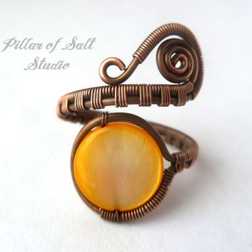 Adjustable ring / boho jewelry / Copper jewelry / wire wrapped jewelry handmade ring / yellow mother of pearl / wire jewelry / woven wire