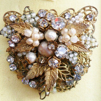 Vintage Brooch Signed De Mario Rhinestone Pearl and Gold Collectible Piece