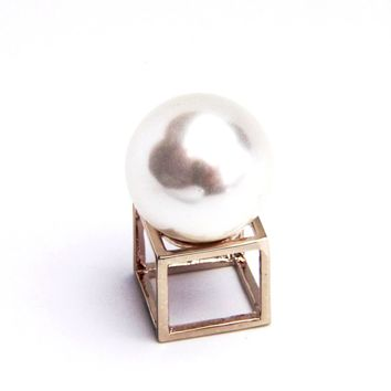 Geometric Faux Pearl Ring