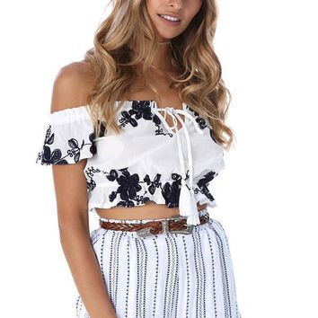 Fashion Off Shoulder Short Sleeve Embroidery Flower Women Crop Tops T-shirt