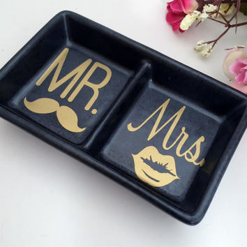 Mr & Mrs Mini Black Ring dish, engagement gift, wedding gift, jewelry dish, Trinket dish, anniversary gifts, couples gifts, ring holder