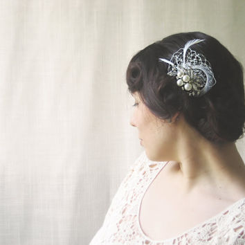 Bridal Hair Comb, Vintage Style Hair Piece, 1920s Inspired Hair Accessory, Glamorous Hair Comb, Sparkling Hair Accessory