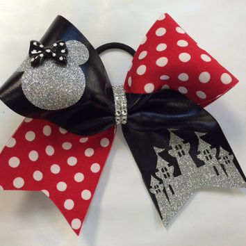 Minnie with Castle Cheer Bow