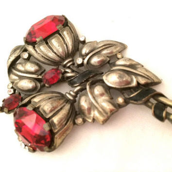 TRIFARI Floral Dimensional Large Figural Red Pin RARE Collectible 30s fur clip