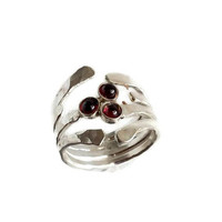 Garnet ring, Hammered silver ring, Wide band ring, Gift for her, Birthstone ring, Garnet silver ring, Silver ring, Gemstone ring, Line ring