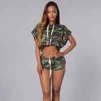 2016 fashion Hooded TopS and shorts Army Green Two-Piece