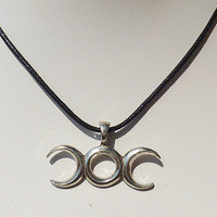 Balance Amulet Pendant Necklace Wicca Triple Moon unisex girls guys