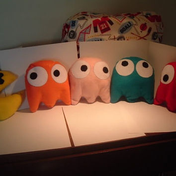 Felt stuffed Pac-man and ghost toys