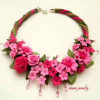 Fuchsia - Flower necklace - Bib necklace - Twisted necklace - Roses - Handmade polymer jewelry