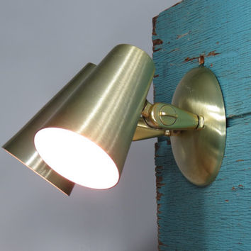 Mid Century Modern Wall Light . 1950s Goldtone Brushed Aluminum Wall Sconce . Atomic Space Age Lamp . Double Fixture . Eagle Mfg. Co. Calif