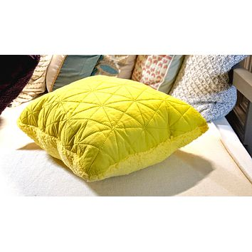"""DaDa Bedding Hand-Made Tuscan Sun Yellow Sherpa Backside Quilted Throw Pillow - 18"""" x 18"""""""