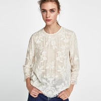 BLOUSE WITH EMBROIDERY AND LACE DETAILS