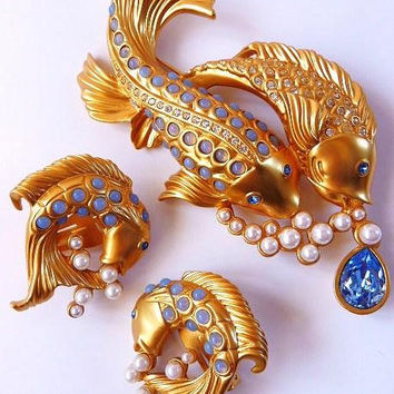 Elizabeth Taylor Avon Sea Shimmer fish brooch pin | clip earrings | rare demi parure | MIB | 1993 | vintage Avon jewelry | Liz Taylor