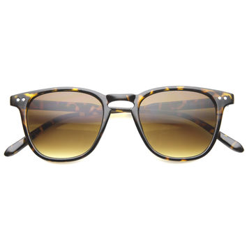 Mens Horn Rimmed Sunglasses With UV400 Protected Gradient Lens