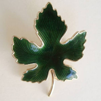 Green Basse-Taille Enamel Maple Leaf Pin Floral Jewelry