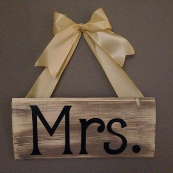 Mr. and Mrs. Wooden Sign 2 piece Set