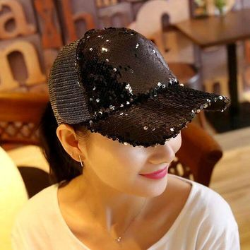 DCCKWJ7 2017 1Piece Baseball Cap Women's Adjustable Cap Casual leisure hat Reflective Sequins Fashion Snapback Summer Fall hat casquette