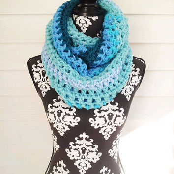 Infinity Scarf, Bohemian, Blue Cowl, Chunky Look, Hippie Scarf, Boho Wrap, Chunky Shawl, Bohemian Cowl, Fall Fashion, Urban, Vegan Friendly