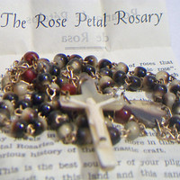 Vintage The Rose Petal Rosary with Case Religious Catholic Collectibles