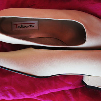 Amaizing Vintage Shoes TALBOTS White Fabric/ Leather Low Heels Women Loafers Size 8.5 B/39  Made in Italy