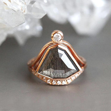 Rose Gold Diamond Ring Set, Modern Diamond Ring with Curved Diamond Band, OOAK Wedding Set, Unique Wedding Ring Set, Rose Cut diamond Ring,