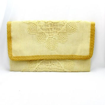 Italian Designer Lace Clutch Fold Over Closure Signned Marian Elfcourt Hand Crafted Creamy White Color Vintage Collectible Gift Item 2379