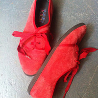 90s Keds Essentials Ribbon Lace Oxfords // Red Suede Leather // SZ 7