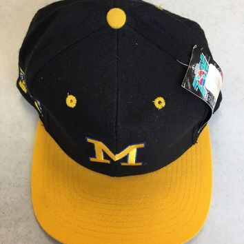 MICHIGAN WOLVERINES GO BLUE BLACK FLAT BRIM FITTED HAT SHIPPING