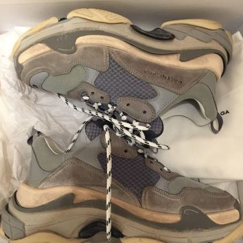 One-nice? Balenciaga Triple S Sneakers In Grey Size 41, New With Box