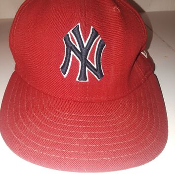 ☆NEW ERA NEW YORK YANKEES FITTED FLAT BILL HAT CAP BLACK WHITE RED MEN SZ 7 1/2☆