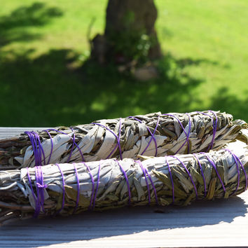 Lavender & Sage Smudge Bundle - For Smudging Your Home to Create Peace & Relieve Stress