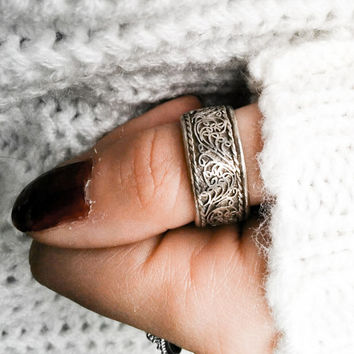 Tibetan mantra ring - Tribal Gypsy Lotus filigree ring of Tibetan silver - Nepal Tibet Jewelry - Antique Boho Tribal ethnic ring