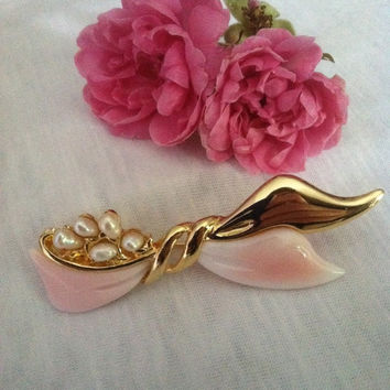 Pink and Gold Bow Brooch, Bow Pin, Vintage Gold, Pink, and White Freshwater Pearl Bow, Ribbon Jewelry, Pearl Bow, Romantic Gift, Christmas