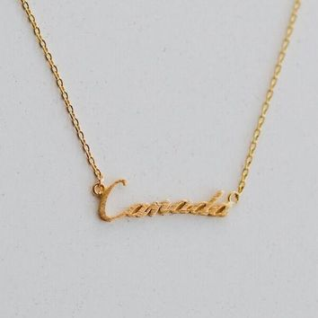 Canada Charm Necklace - Gold